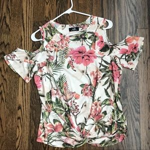 Flower print cold shoulder top